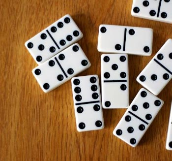 لعبة الدومينو الأميركية