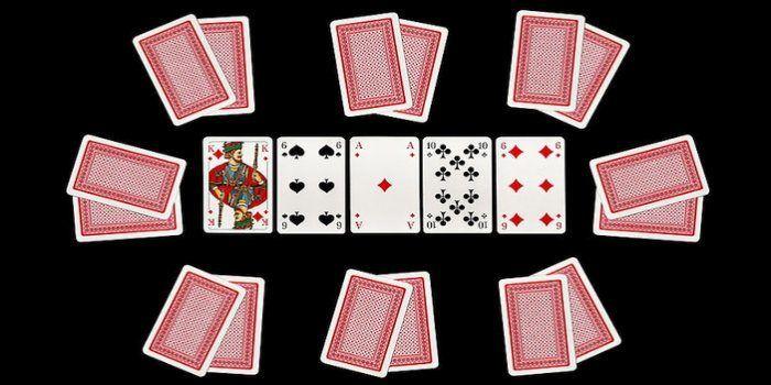 كيف تلعب بوكر تكساس هولد إم – القواعد والهاندز
